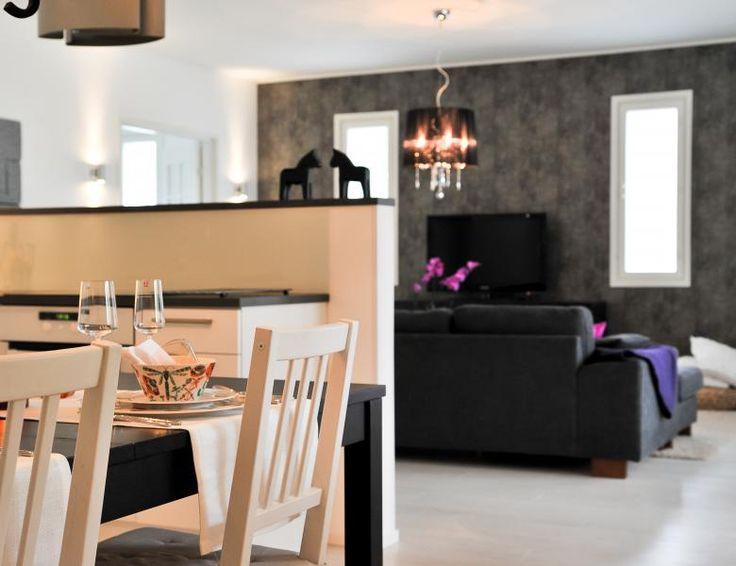 Mustavalkoinen olohuone svartvit vardagsrum Aveo Vaasa