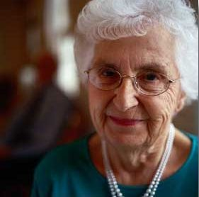 8 Reasons Why Many Seniors Prefer Senior Living Communitites to Living Alone