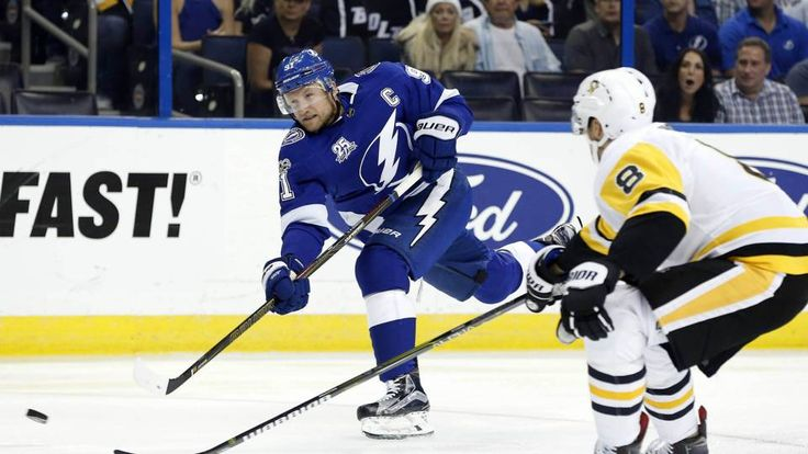 Steven Stamkos gets first goal in 11 months