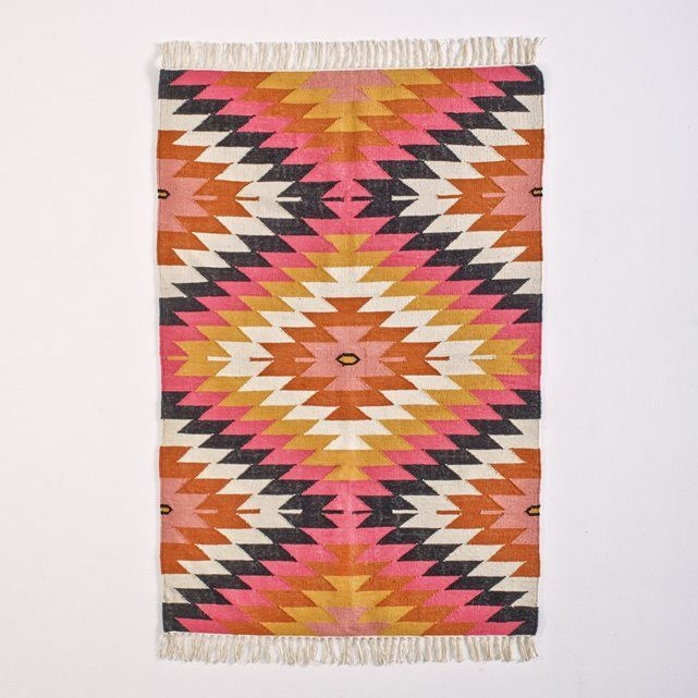 les 25 meilleures id es concernant tapis kilim sur pinterest tapis de salle. Black Bedroom Furniture Sets. Home Design Ideas