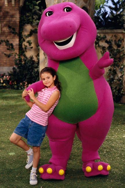 2002:Selena Gomez When She Was A Cute Little Girl On Barney Kid Tv Show.