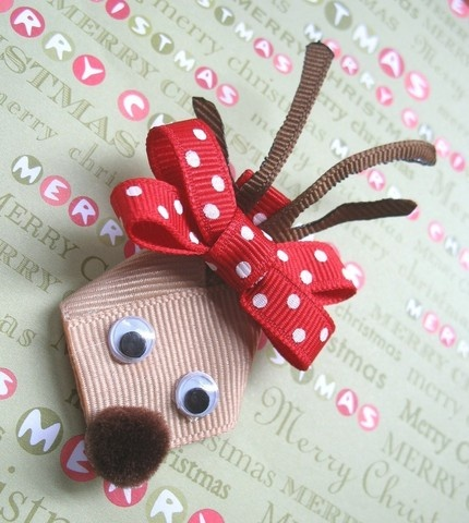 reindeer hairbow. No link but easy enough to figure out.
