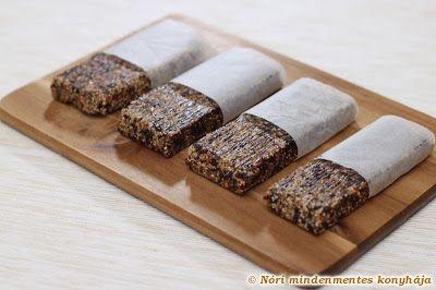 Nóri mindenmentes konyhája: Aszalt szilvás, diós müzliszelet - cukor- és gluténmentesen