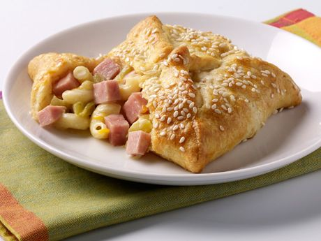 SPAMaroni™ and Cheese Swaddlers Recipe. #CAREPackageRecipes