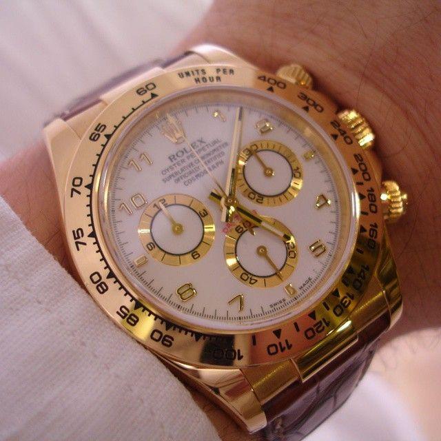 Marvelous Yellow Gold Rolex Daytona. Visit our shop at ift.tt/1z1v9U6 and follow to keep updated. by royalwatchery from Instagram ift.tt/1vW7BwR ...repinned für Gewinner! - jetzt gratis Erfolgsratgeber sichern www.ratsucher.de