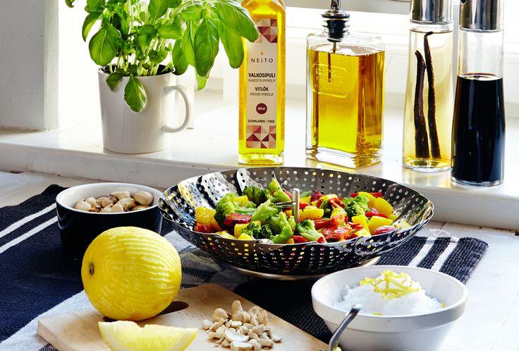Nyt hyvä ihminen pannaan asiat tärkeysjärjestykseen. Ulkona on houkuttelevaa! Älä seiso keittiössä pilkkomassa kasviksia ja vihanneksia sormet verillä, vaan nauti ulkoilmasta sekin aika. Ja pyöräytä ruoka ja sille helpot lisäkkeet Apetit-kasvispakasteilla. Katso helppoja ja nopeita ruokaohjeita osoitteessa http://www.apetit.fi/fi/hyva-olo/apetit-kasvislis%C3%A4kkeet