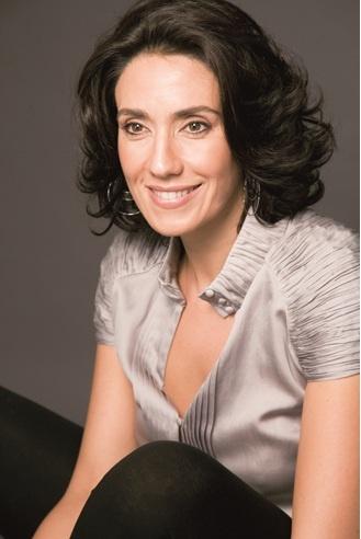 Carmen Sarmiento es una gran profesional farmacéutica y cosmetóloga. Dirige en Sevilla dos centros, Spa de Belleza en Triana y Salón Boutique en Buhaira, donde ofrece servicios exclusivos de Haute Beautè y los tratamientos más avanzados en medicina estética.