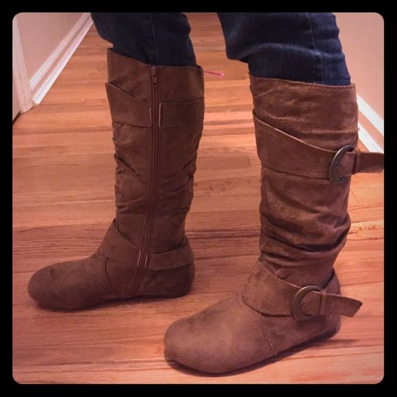Rue 21 boots Rue 21 boots like new, worn once. Rue 21 Shoes