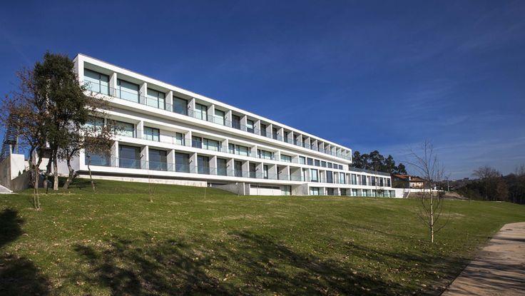 Edifício residencial para idosos / Atelier d'Arquitectura J. A. Lopes da Costa