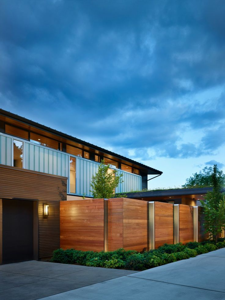 Courtyard #House / DeForest #Architects