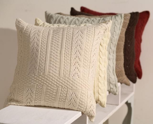 Вязаные подушки.
