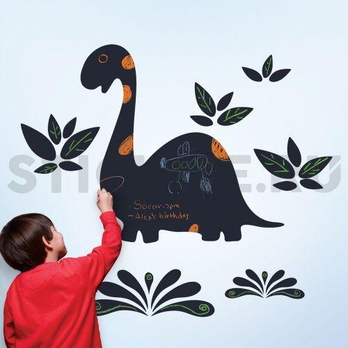 Меловая наклейка на стену Дино Длинношей Вы смело можете рисовать на нёй мелками или меловыми маркерами. Делайте заметки, напоминания, создавайте любые рисунки - для этого и придуманы меловые наклейки. А надписи легко и бесследно стираются влажной тканью.