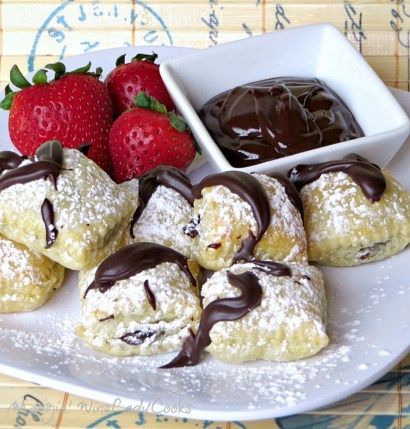 Chocolate Ravioli pillows an easy dessert for any day, any occasion. It's simply a chocolate ganache in puff pastry. Using Pepperidge Farms puff pastry