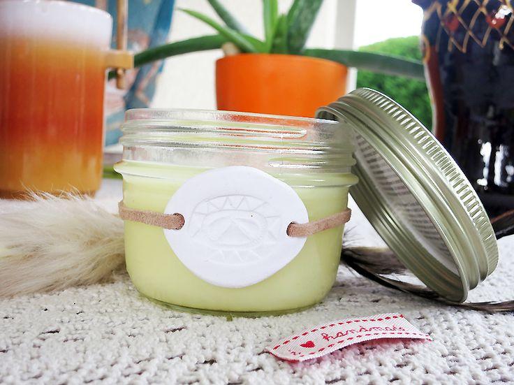 DIY bougie vanille coco - http://www.le-monde-est-a-nous.net/diy-coconut-vanilla-candle.html