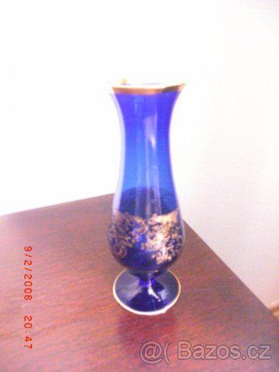 modrá váza s pozlacením ze skla výškla 18 cm - 1