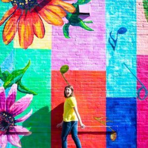"Flowers Wall <br/> 1426 W Lake St <br/> Minneapolis, MN 55408,  				<br><a href=""https://www.pinterest.com/pin/create/button/?url=http://studiodiy.com/2016/05/11/minneapolis-wall-crawl/&media=http://studiodiy.com/wp-content/uploads/2016/04/Flowers.jpg&description=#StudioDIYWallCrawl: The Best Walls in Minneapolis"" target=""_blank"" id=""pinit"">PIN IT!</a>"