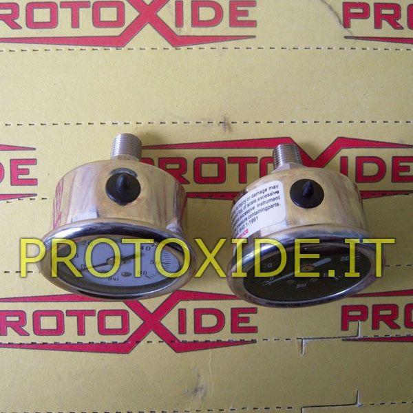 Manometro pressione benzina da avvitare al prezzo di 28,47 € Euro.  Manometro in cassa in acciaio cromata con lancetta.