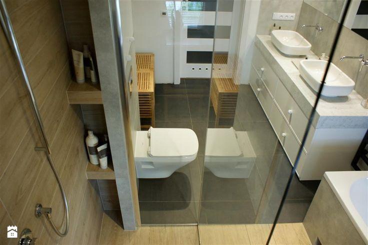 Szaro-biała łazienka z elementami drewna - zdjęcie od Magdalena Sobula Pracownia Projektowa Pe2 - Łazienka - Styl Nowoczesny -  Magdalena Sobula Pracownia Projektowa Pe2