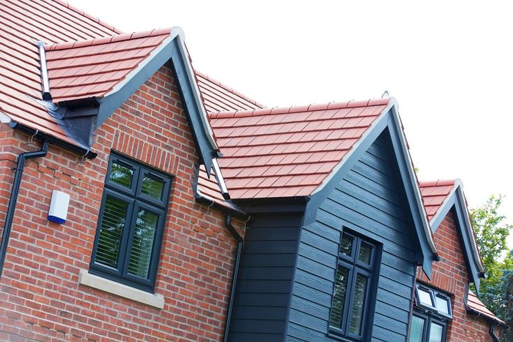 As the director of housebuilding company Mell Homes, Natalie O'Connor wanted something rather special when she built her own home, so she chose the Fontenelle Interlocking Clay Plain Tile, supplied by Redland, the UK's leading supplier of concrete roof tiles, clay tiles, roof slates, roofing product accessories and fittings