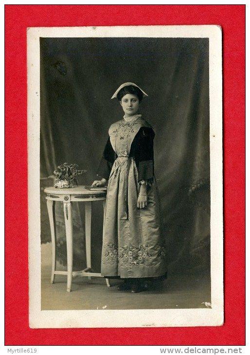 morbihan jeune fille en coiffe carte photo w crolard lorient photos. Black Bedroom Furniture Sets. Home Design Ideas