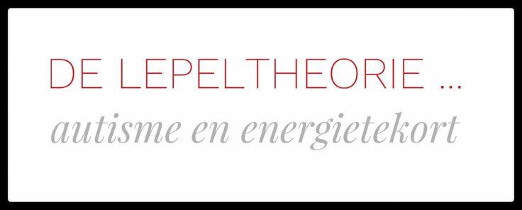 Het is niet eenvoudig om aan mensen uit te leggen wat er voor mij veel energie vergt, en hoe het komt dat ik 'na een dag niets gedaan te hebben' toch behoorlijk vermoeid kan zijn. De lepeltheorie (of 'spoon theory') kan daarbij helpen, maar heeft zowel voor – en nadelen. In deze blog ga ik daarop in.