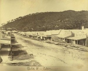 Charlotte Street in Cooktown, ca. 1880 (Power, Thomas and Madden visible on right) / John Oxley Library, State Library of Queensland, Neg: 234508 http://hdl.handle.net/10462/deriv/38088 | thefashionarchives.org