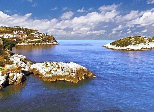 Amasra'dan değişik bir görünüm. Tavşan Adası,Boztepe ve Kuşna mevkii.