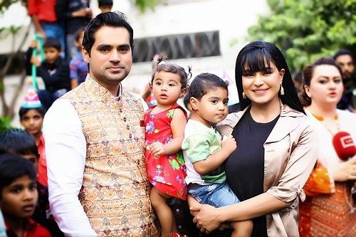 Veena Malik in Dubai Holidays delighting among Family