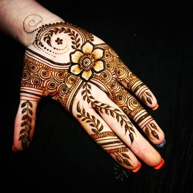 Modern Mehndi Party : Pinterest alexandrahuffy henna eid