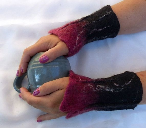 Hand Felted Mittens, Felt fingerless gloves,  Black dark pink  Cozy winter…