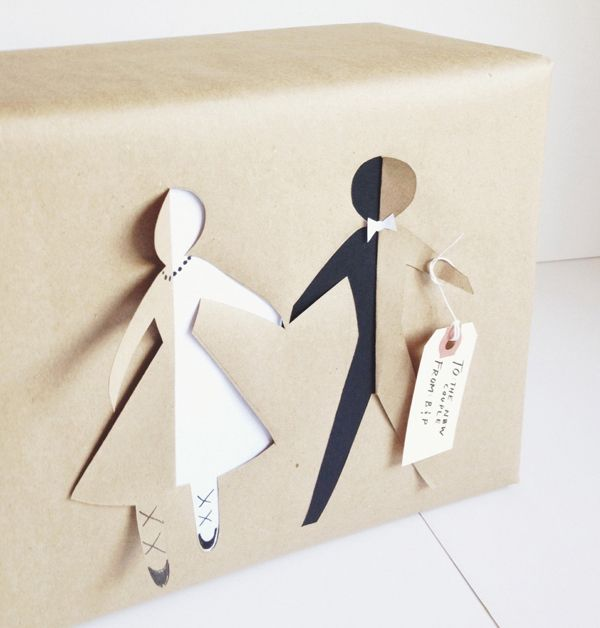 Pacchetto regalo lui e lei in che escono dal pacco  #pacchetti #pacchetto #regalo #regali #originali #Natale #compleanno #incartare #lui #lei #coppia