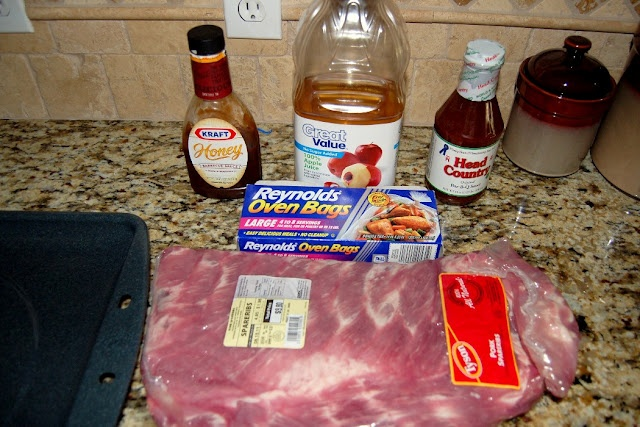 Scattered Thoughts of a Crafty Mom: Barbecue Pork Spareribs in the OvenFriends Recipe, Free Sewing, Scattered Thoughts, Crafty Mom, Crafts Projects, Pork Spareribs, Blog Full, Barbecues Pork, Families Friends