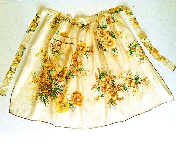 Vintage Flirty Golden Floral Hostess Apron by NonabelleVintage