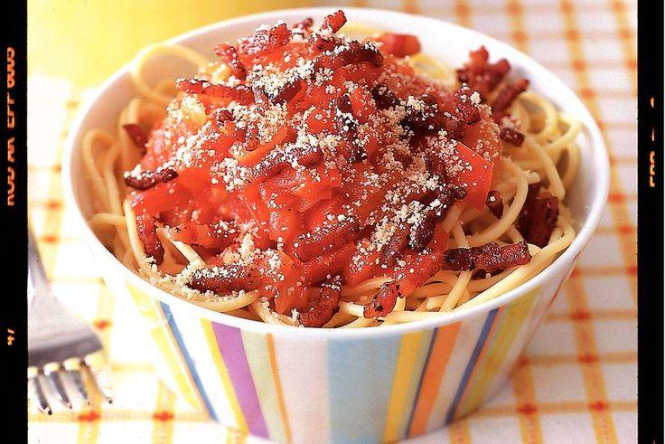 Kijk wat een lekker recept ik heb gevonden op Allerhande! Spaghetti met tomaten-paprikasaus