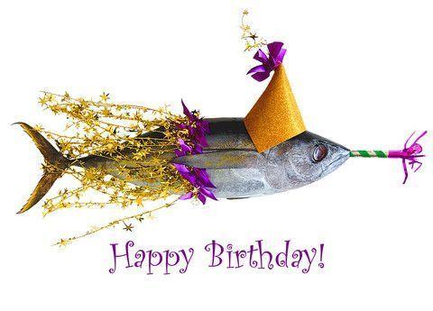 С днем рожденья открытки рыбы, надписями годик