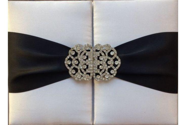 Faire part mariage luxe en soie du Cachemire blanc et noir #fairepartluxe  #mariage  http://www.tour-babel.com/faire-part-mariage/faire-part-carte-mariage-luxueuse/faire-part-luxe-soie.html