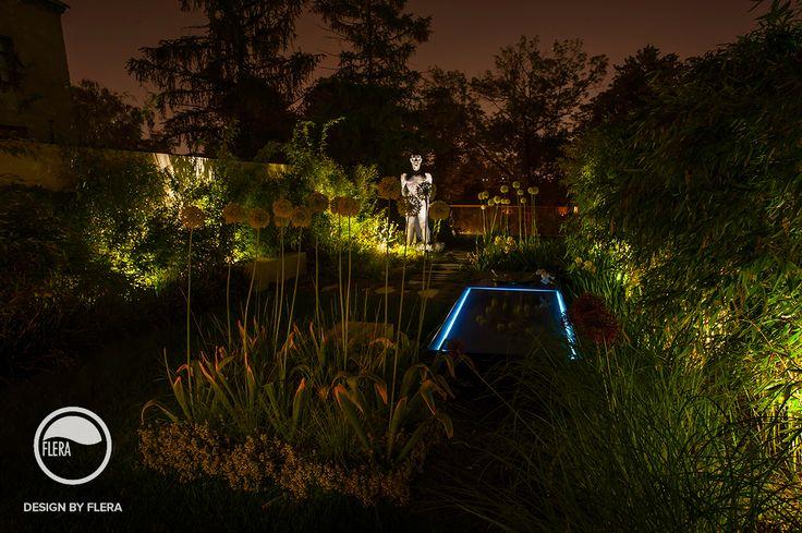 Záhrada v noci