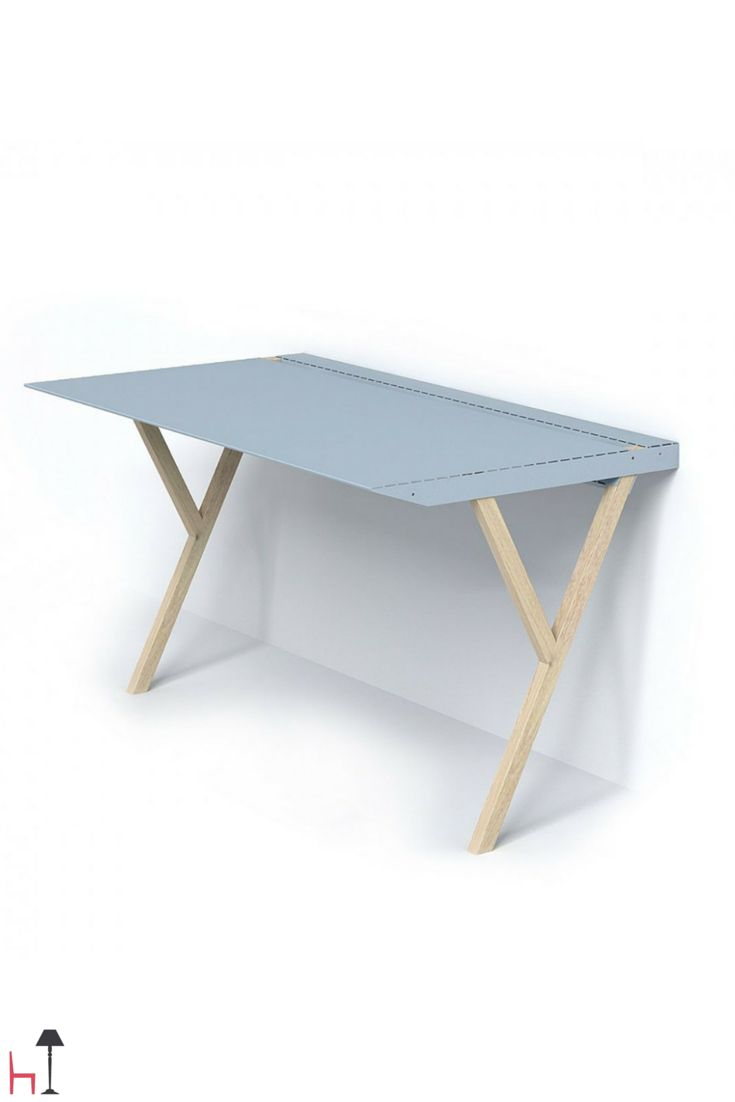 Recto Verso is a versatile desk designed to lean against a wall.