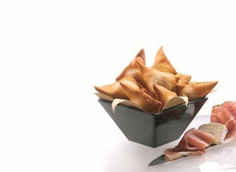 Bugie salate farcite con speck e Brie - L. Montersino