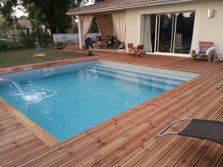 Les 25 meilleures id es de la cat gorie margelle piscine for Piscine coque carree