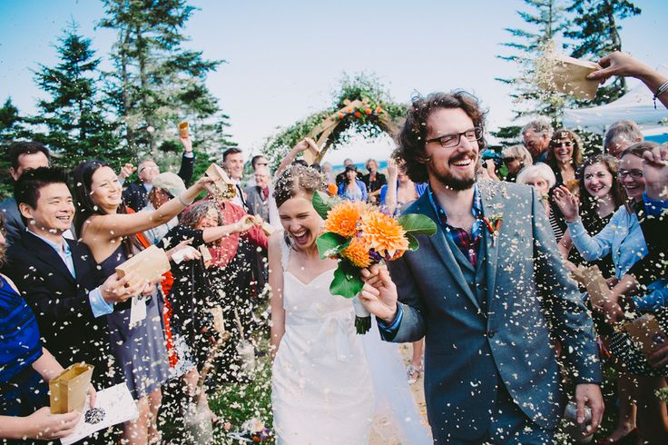 A South Shore outdoor wedding hosted at Hubbards Beach - a fantastic venue just outside of Halifax, Nova Scotia.