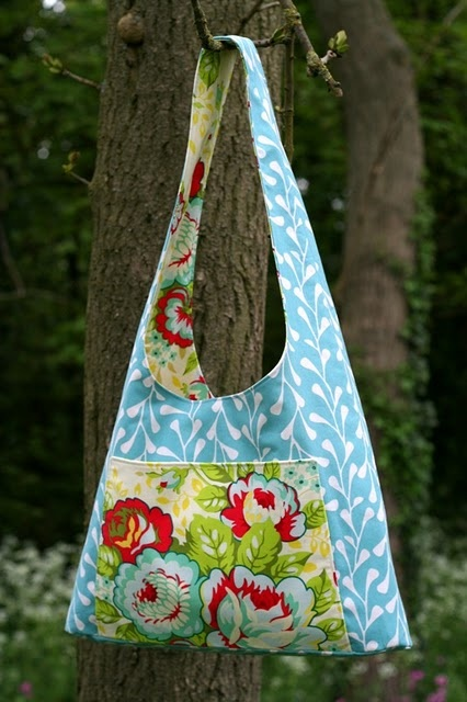 such pretty colors; love the comboSewing Bags Co Diy Inspiration, Da Conchas, Sewing Projects, Corrien S Bags, Bags Pursesto, Pretty Colors, Beautiful Bags, Bags Сумки, Bags Handbags