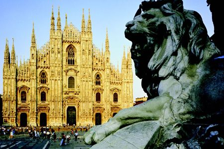 MilanFavorite Places, Travel Time, Milan Cathedral, Fashion Cities, Milan Italy, France, Italy Travel, Travel Destinations, Bags