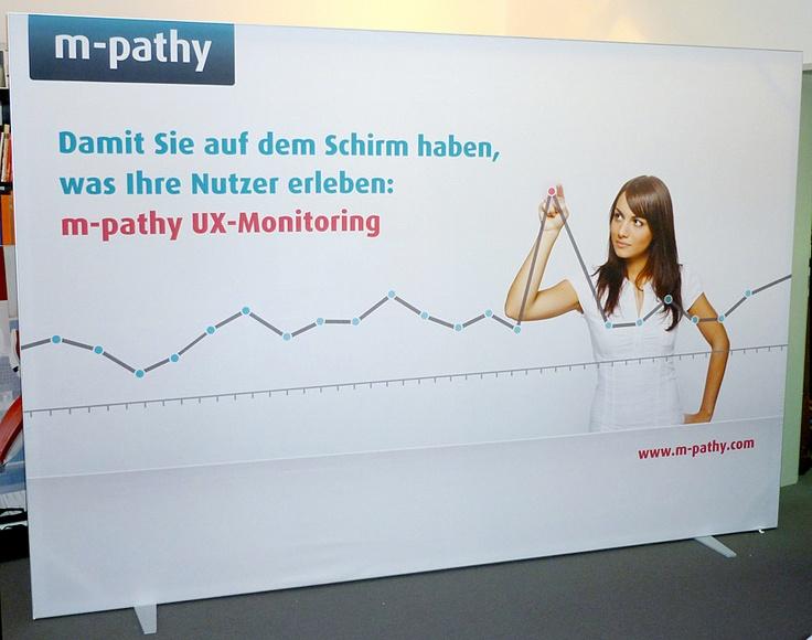 Grafikpromotionwand: Einsetzbar als mobile Messewand, Presse-und Sponsorenwand, Grafikdisplay, Promotiondisplay und in Kombination als ganzer mobiler Messestand!:http://www.displays-und-banner.de/mobile-messewand-gerade.php