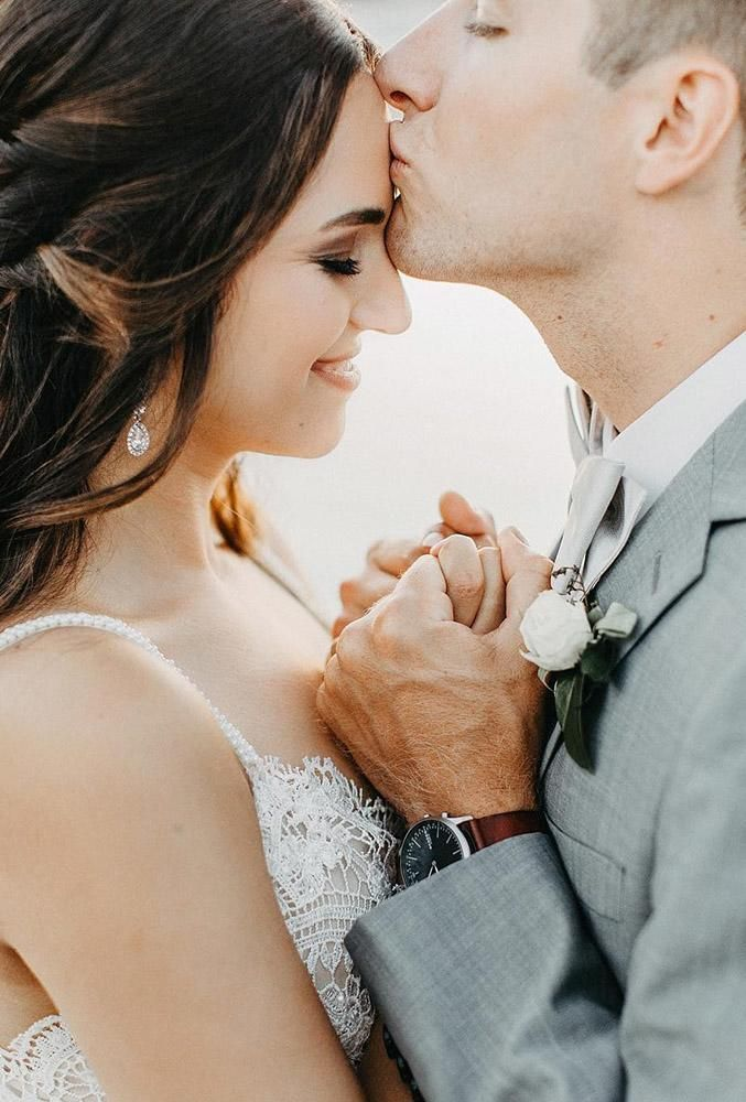 Your photographer could tell you some well-turned poses and angles, but do not be afraid to steal a couple of wedding photo ideas from other brides.