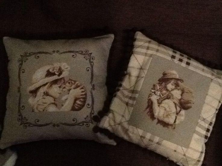 Вышивка крестиком на подушках
