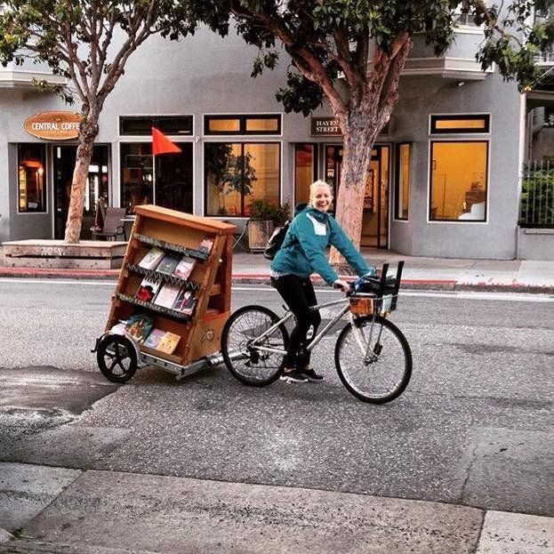 """Librarians on Bikes Are Delivering Books and WiFi to Kids in """"Book Deserts"""" 