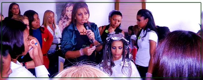 Evento Mutari para cabeleireiras em Santa Luzia/MG