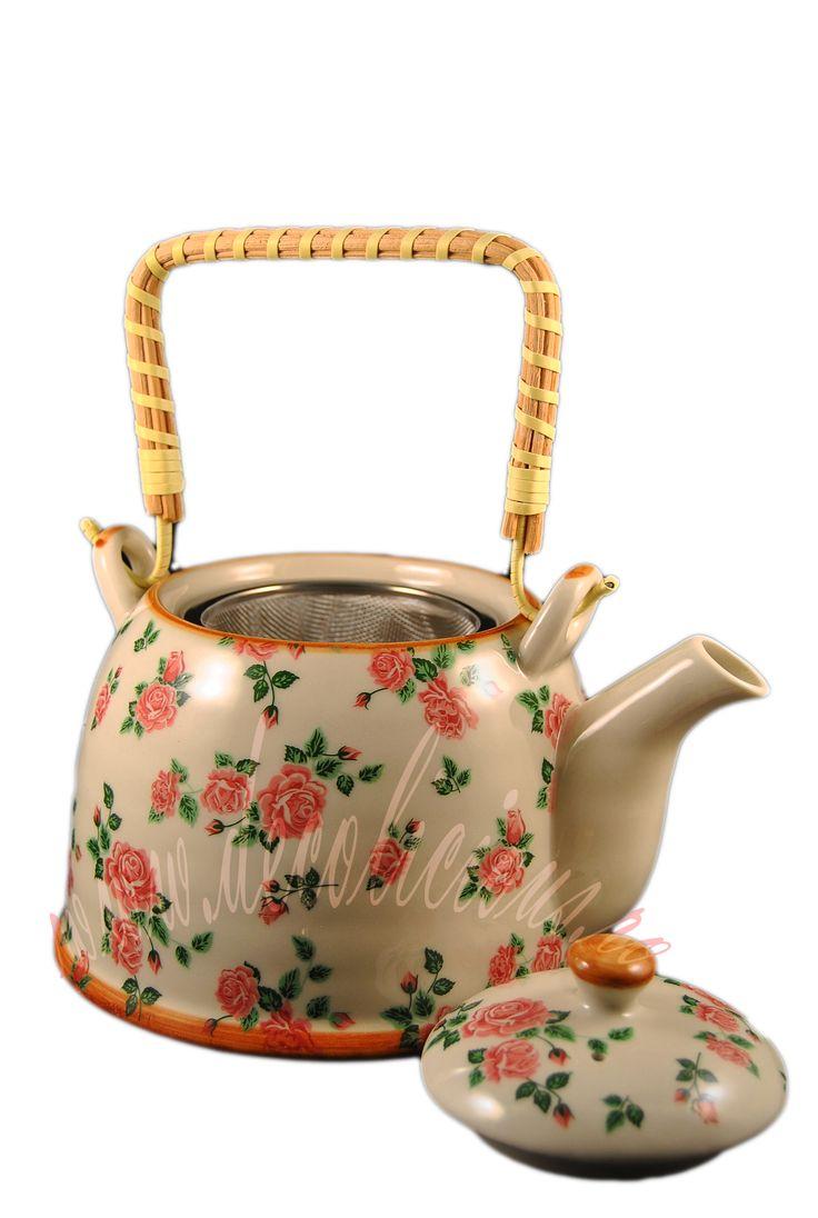 Ceainic cu infuzor din ceramica cu maner de ratan, imprimat cu trandafiri. Este cadoul potrivit pentru persoanele romantice! http://decolicious.ro/cadouri-femei/59-ceainic-cu-infuzor-roses.html