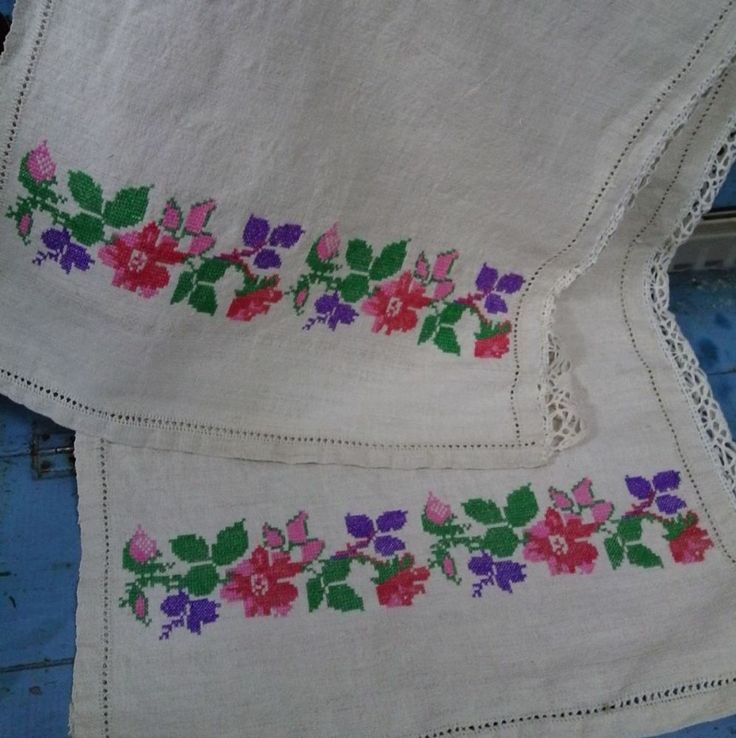 Pretty Antique table cloth 2 panels with interpanel lace Cross stitch embroidery at both ends of each panel 150 x 100cm